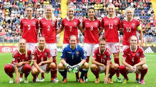 Det danske kvindelandshold - der i sommer vandt EM-sølv - har fået Kulturministeriets Idrætspris.