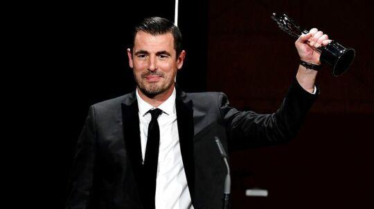 I lørdags modtog Claes Bang fornem hæder, da han som den første dansker nogensinde fik overrakt prisen for bedste mandlige hovedrolle ved European Film Award i Berlin.