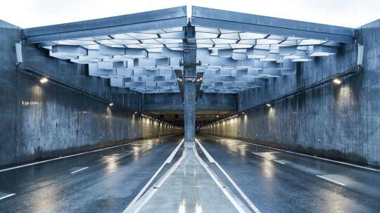 I weekenden indvies den nye Nordhavnsvej i København, og mandag kan der køre biler på den. Vejen fører bilister fra Helsingørmotorvejen til Strandvænget på Østerbro.