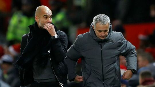 Manchester City-manager, Pep Guardiola(tv.), og Manchester United-manager, Jose Mourinho(th.)