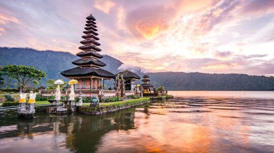 Det berømte Pura Ulun Danu Bratan-tempel i Bali, Indonesien.