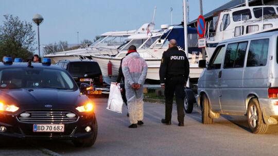 En person føres bort i forbindelse med en politiaktion ved Brøndby Havn efter en vandscooter ulykke med dødelig udgang i Københavns Havn lørdag den 6. maj 2017. Københavns Byret tog mandag hul på sagen mod en ung mand, der er tiltalt for uagtsomt manddrab. To kvinder fra USA mistede livet efter ulykke med vandscooter.