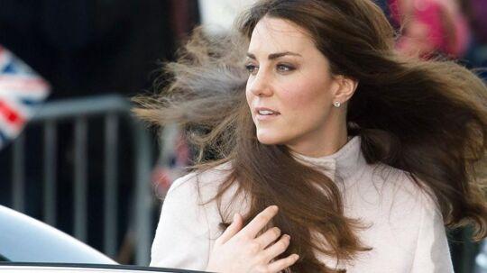 Kate er gravid. Her ses hun for få dage siden.