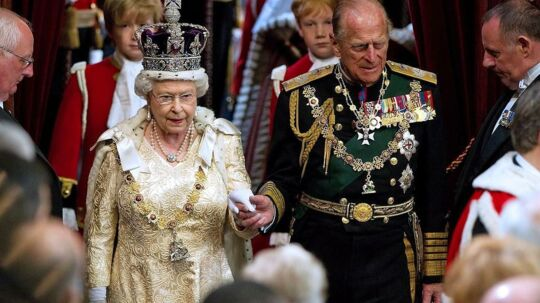 Prins Philip ledsager dronning Elizabeth til åbningen af det engelske parlament - det er den eneste gang om året prinsen sætter sin fod i parlamentet i Westminster.