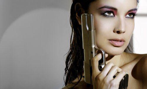 Den franske skønhed Berenice Marlohe er ifølge udenlandske medier valgt som den næste Bond babe. Hvilket ikke er svært at forstå.