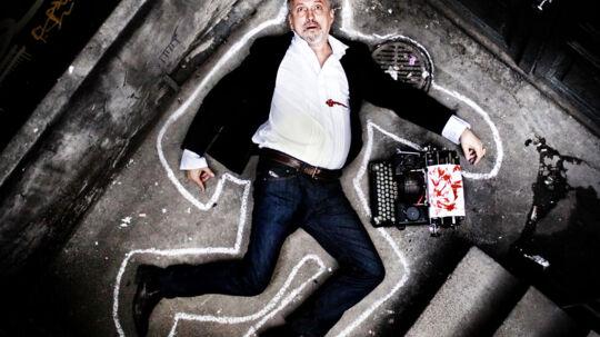 Jussi Adler-Olsener blevet multimillionær på mord. Alene på hans bogsalg i Danmark regner forlagskilder med, at han har tjent omkring 50 millioner kroner. Her til kommer salg af filmrettigheder, samt et stort salg af hans bøger i en lang række andre lande.