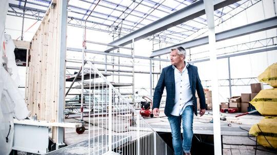 Øens Murerfirmas indehaver Jan Elving modtog i 2017 Københavns Erhvervspris for firmaets sociale ansvar, men i en årrække har firmaet fået løntilskud i strid med loven.