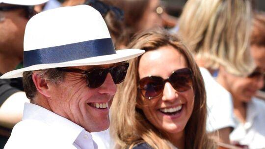 Skuespilleren Hugh Grant og hans svenske kæreste Anna Eberstein.