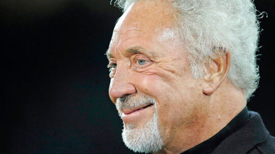 epa04951583 Welsh singer Tom Jones before England's game with Wales, at the Rugby World Cup match at Twickenham stadium, London, Britain, 26 September 2015. EPA/GERRY PENNY NOT USED IN ASSOCATION WITH ANY COMMERCIAL ENTITY EDITORIAL USE ONLY/NO SALES