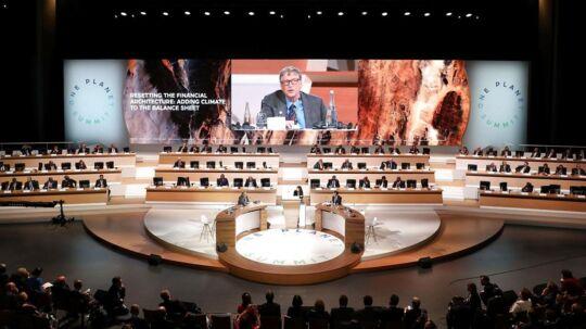 På billedet: Bill Gates på scenen under 'One Planet Summit' i december 2017.