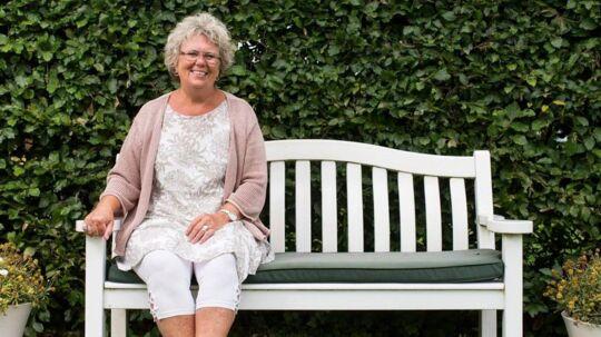 »Efter en fem-ugers periode med homøopatisk medicin føler jeg mig fit for fight og fyldt med energi igen,« fortælller Mona Muusmann Petersen, der ikke kun undvære alternativ behandling i sit kræftforløb.