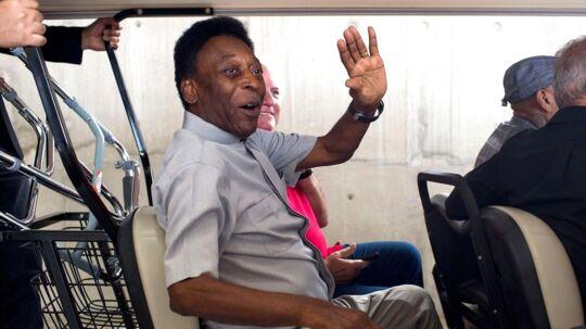 Pelé er udskrevet fra hospitalet, og han har det efter udsagn ganske fint.