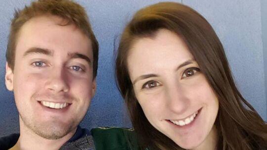 Det canadiske par Katie Stephens og Eddie Zytner advarer andre, der planlægger ferie i troperne, mod hageorm.