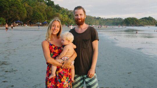 Ægteparret Rebecca og Magnus Ravneberg opholder sig nu på Costa Rica med datteren Frøya.