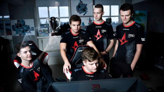 Danmarks bedste Counter Strike-hold, Astralis, lå på dette tidspunkt sidste år nummer ét i verden. Siden da er det kun gået ned ad bakke for de danske stjerner.