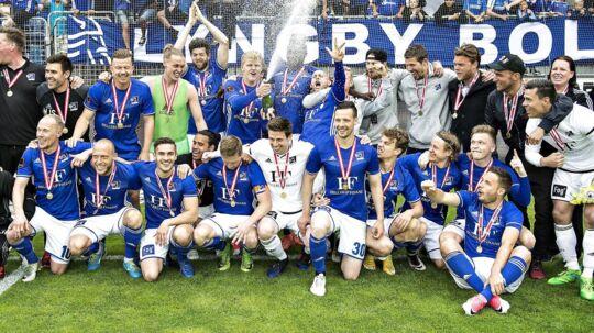Lyngby vandt i sidste sæson bronze. Nu risikerer klubben at gå konkurs og blive degraderet til Danmarksserien.