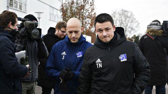 Fodboldspiller Michael Lumb (3) og cheftræner Thomas Nørgaard ankommer til træning, da spillerne fra Lyngby Boldklub træner efter superligaklubben ikke nåede fristen for at betale spillerne midnat tirsdag, onsdag den 7. februar 2018.