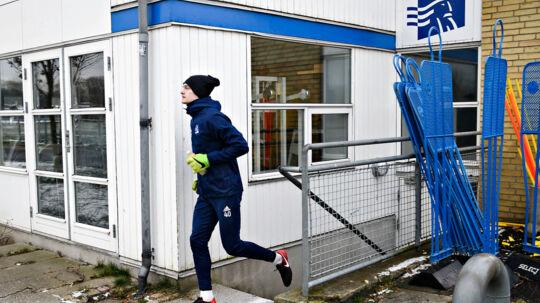 Fodboldspiller Oskar Snorre (40) ankommer til træning, da spillerne fra Lyngby Boldklub træner efter superligaklubben ikke nåede fristen for at betale spillerne midnat tirsdag, onsdag den 7. februar 2018. Foto: Ritzau Scanpix/Philip Davali