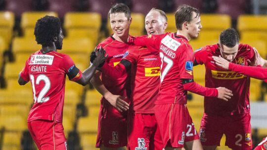 Mikkel Rygaard (i midten) debuterede fredag aften for FC Nordsjælland efter sit skifte fra Lyngby.