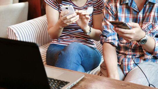 Det er ulovligt at sætte begrænsninger ind i et mobilabonnement om, hvor mange data af abonnementet man har lov til at dele med andet udstyr, som trådløst kobles til mobiltelefonen og dermed kan bruge internetforbindelsen via den. Arkivfoto: Iris/Scanpix