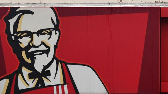 General Sanders' opskrift på friturestegt kylling fungerer ikke uden kylling. Derfor er 900 butikker i Storbritannien og Irland, der mangler kyllingekød, lukket mandag. Scanpix/Ben Stansall