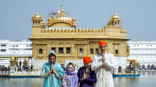 Den canadiske premiereminster har skudt en smule over målet i sit forsøg på at passe ind i den indiske kultur, mener flere indere efter Justin Trudeau udklædningsfest de seneste dage.