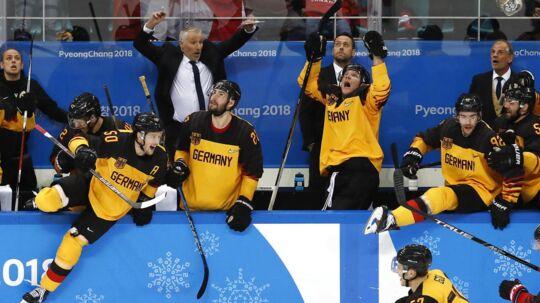 Tyskland jubler over sejren over Canada, som sendte holdet i OL-finalen.