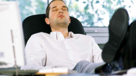 Hvis du kan falde i søvn i monotone situationer, så bør du nok gå til egen læge og høre, om du kan være ramt af søvnapnø. Free/Colourbox.com