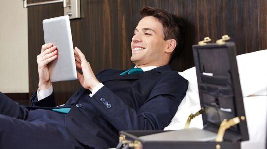 Nu er det slut med at løbe tør for strøm, så man skal sidde med sin elektronik i stikket, mens man er på værelset. (Scanpix)