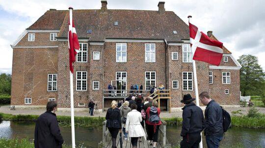 Gram Slot stammer helt tilbage fra år 1232, hvor det nævnes i Kong Valdemar Sejrs Jordebog og hørte under kronen.