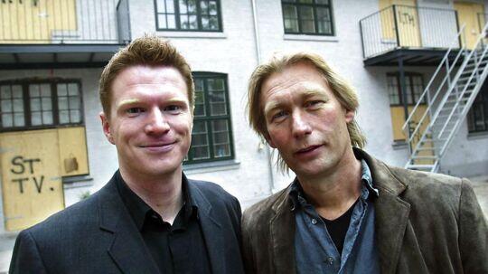 Her et ældre billede af Nikolaj Sommer (tv) fra 2004, hvor han var vært på TV 2-programmet 'Huset'.