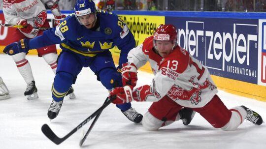 Morten Green med nr. 13 i duel med Sveriges Elias Lindholm under VM i Köln i 2017. Rungsted-spillerens 19. og sidste VM.