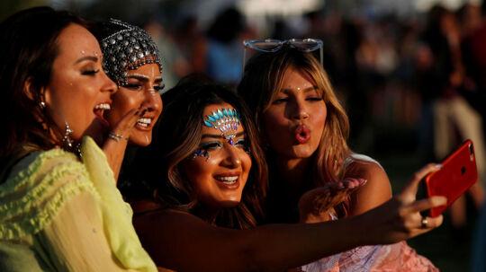 Selvom der er stjerner overalt, så er selfies sagen til årets Coachella Festival, der netop er startet i Californien.