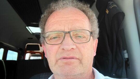 Agner Jakobsen måtte tilbringe fem dage og nætter blandt rigtige kriminelle i arresten i Aalborg på grund af en værdiløs traktor med 40 år på bagen.