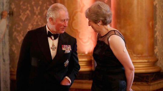Prins Charles. Her sammen med premierminister Theresa May. London den 19. april.