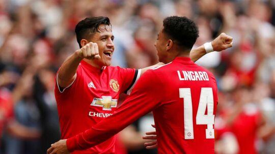 Alexis Sanchez (til venstre) fejrer sin scoring til 1-1 mod Tottenham i FA Cup-semifinalen.