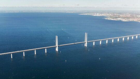 Øresundsbroen set fra luften med Malmø i baggrunden.