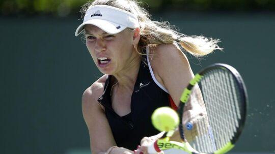 Caroline Wozniacki sejrede sikkert i sin førsterundekamp ved WTA-turneringen i Istanbul.