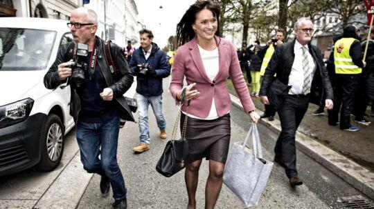 Innovationsminister Sophie Løhde (V) ankommer til Forligsinstitutionen.
