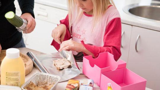 De vaner, man vokser op med derhjemme, vil man ofte finde tilbage til, når man flytter hjemmefra, fortæller psykolog Susanne Attrup Blomsterberg. Free/Colourbox.com