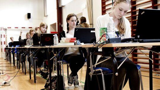 Københanvske folkeskoler underpræsterer, når de sender deres afgangselever til afgangsprøverne i dansk. Det viser tal, som BT har trukket i Undervisningsministeriets database. Personerne på arkivbilledet har ikke noget med sagen at gøre.