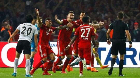 For få uger siden lignede Bayern München et hold på vej mod The Treble. Nu står holdet 'kun' tilbage med mesterskabet.