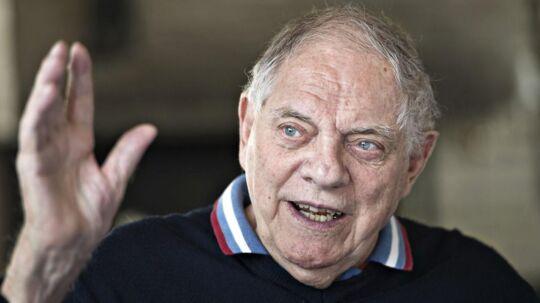 Kjeld Rasmussen var, udover at være Danmarks længstsiddende borgmester med 39 år på posten i Brøndby, også Brøndby IF's første formand i 1971.
