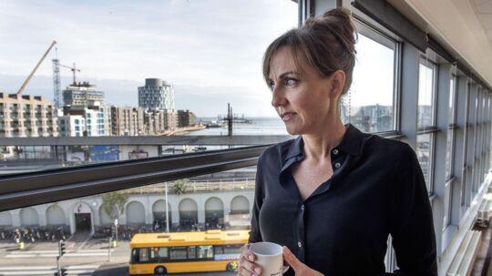 Medarbejdere i Skat er vrede over administrerende direktør Merete Agergaards beslutning om at lade en nyansat direktør arbejde i København i stedet for i Aarhus.