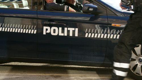 Syd- og Sønderjyllands Politi leder efter føreren af en bil, der ligger væltet på Sønderjyske Motorvej. Free/Colourbox