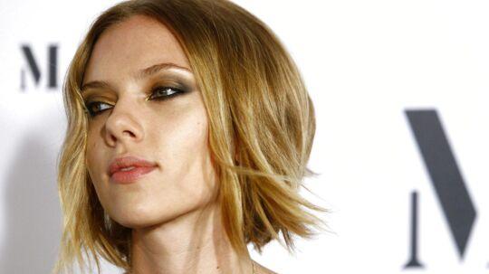 - Jeg beundrer en del af Lars von Triers arbejde, og Susanne Bier er fantastisk, siger Scarlett Johansson, da BT møder hende i London.