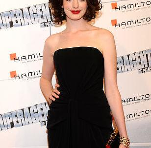Om et par uger florerer der måske nøgenbilleder af Anne Hathaway på nettet.