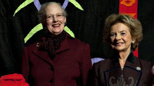 Dronningen og Susanne Heering ved et pressemøde i 2009