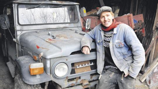 Mens bonderøven Frank har forført seerne med sit forsøg på at realisere et enkelt og selvforsynende liv, har Casper Christensen fået den brede succes med 'Klovn' gennem TV2 Zulu og så TV2 – mens 'Casper & Mandrilaftalen' på DR2 var ren rock'n'roll.