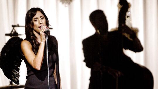 Medina spillede fredag aften en flot og intim akustisk koncert i Glassalen i Tivoli.